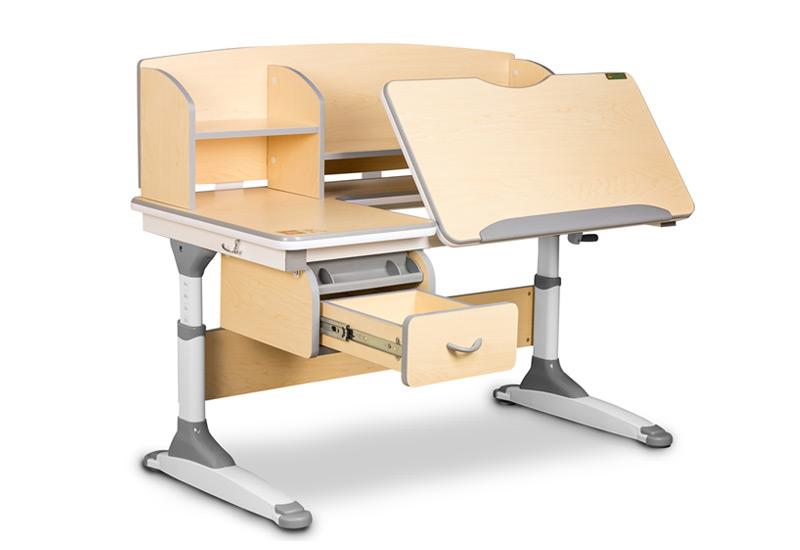 Ako vybrať ten správny písací stôl pre školáka?